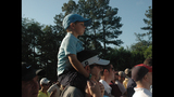 Tiger Woods draws massive crowd at pro-am - (21/25)