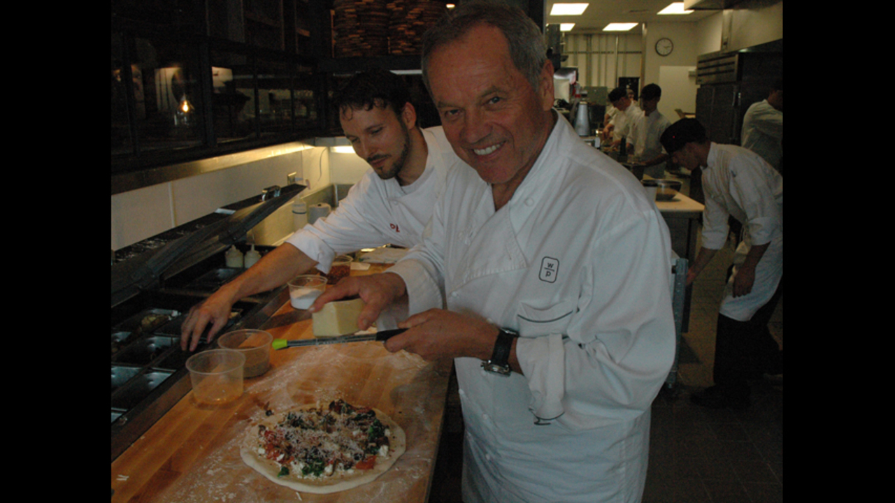 Wolfgang Puck Pizza Bar | WSOC-TV