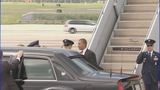 President Barack Obama arrives in Charlotte - (5/11)
