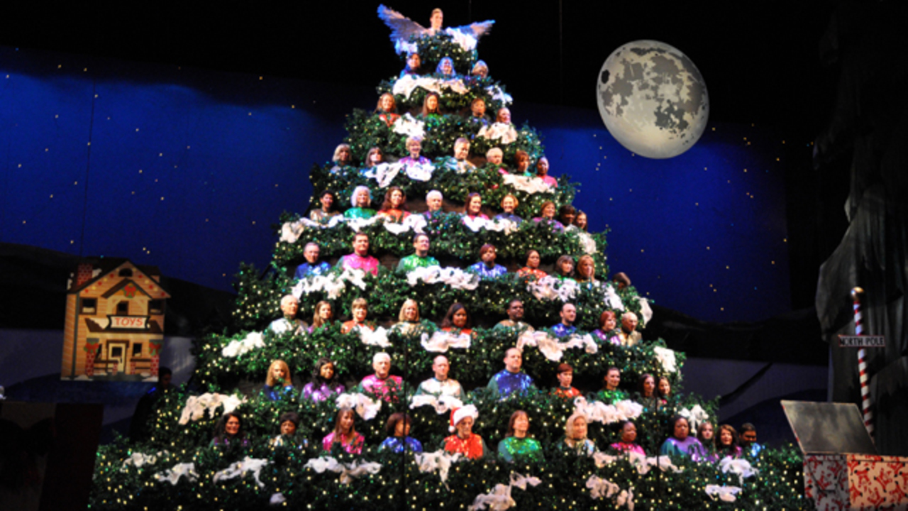 Singing Christmas Tree.Singing Christmas Tree Continues Holiday Tradition In