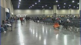 Hundreds line up for free dental clinic - (3/5)