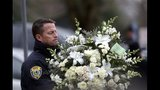 Newtown holds the first funerals for the victims - (22/25)