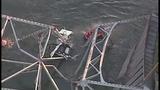 I-5 bridge over Skagit River collapses - (15/25)