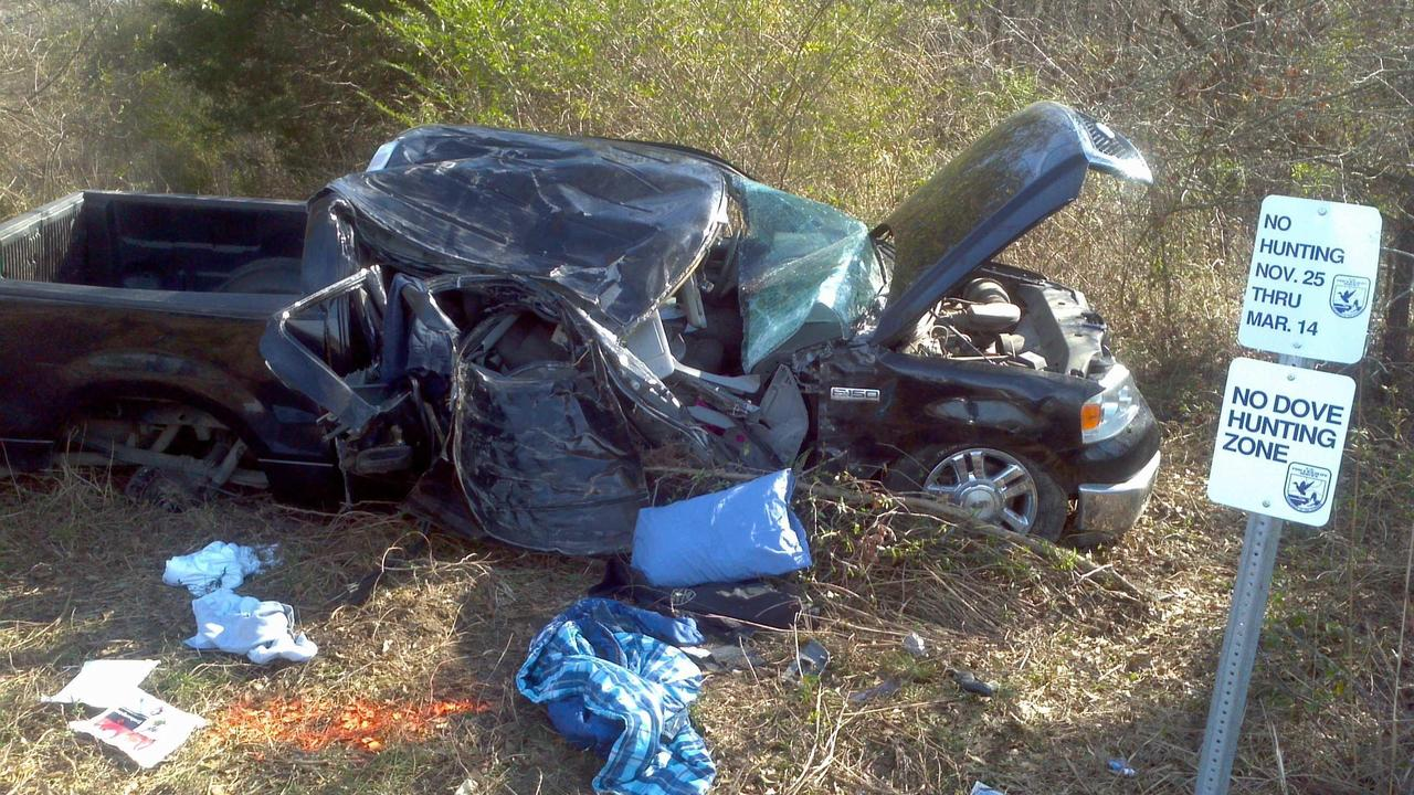 Truck strikes tree in Anson Co , killing driver - WSOC