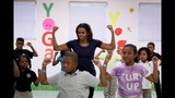 PHOTO: Michelle Obama, Amy Poehler get kids… - (2/22)