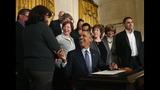 IMAGES: Obama signs memorandum on modernizing… - (7/9)