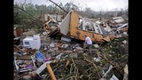 Photos: Deadly tornadoes strike central, southern US - (11/25)