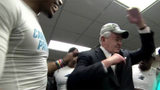 Panthers owner Jerry Richardson 'dabs' in locker room_8468595