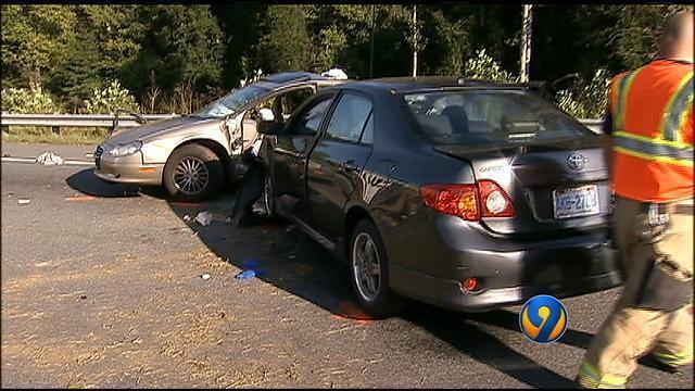 2 dead, 3 hospitalized after I-40 crash in Hickory | WSOC-TV