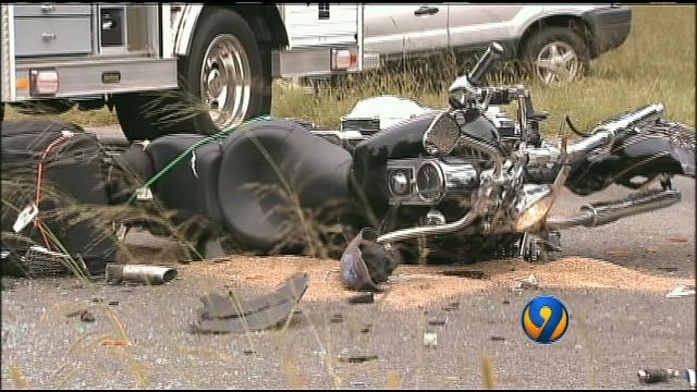 Officials: Motorcyclist dies in Catawba County wreck | WSOC-TV