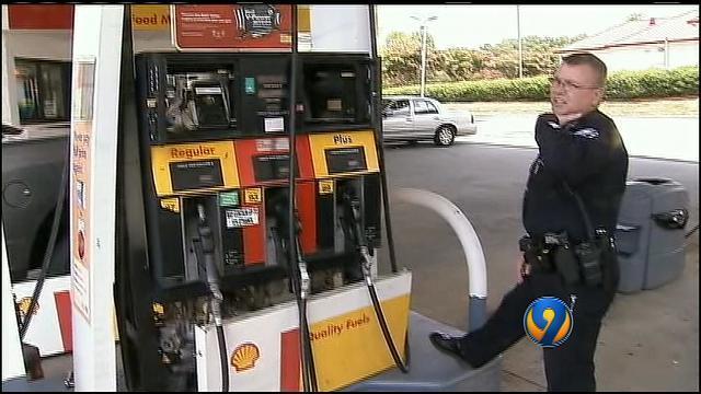 Credit card skimmer discovered at Huntersville gas station