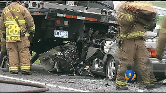 Troopers on scene of I-485 inner loop wreck   WSOC-TV