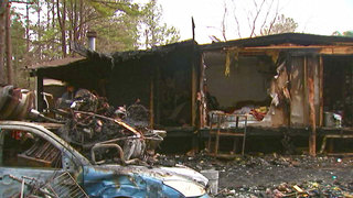 Firefighters investigating suspected arson in NE Charlotte neighborhood