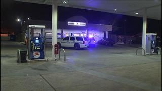 Police investigate convenience store robbery in east Charlotte