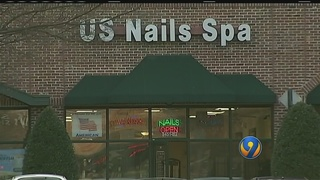 Woman robs northeast Charlotte nail shop, police say