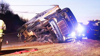 Overturned big rig partially blocks Highway 321 in Lincoln Co.