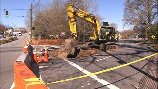 IMAGES: Sinkhole in Hickory shuts down major roadway