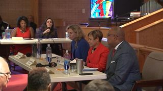 Charlotte mayoral candidates debate for first time