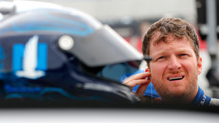 Dale Earnhardt Jr. to retire from NASCAR following 2017 season