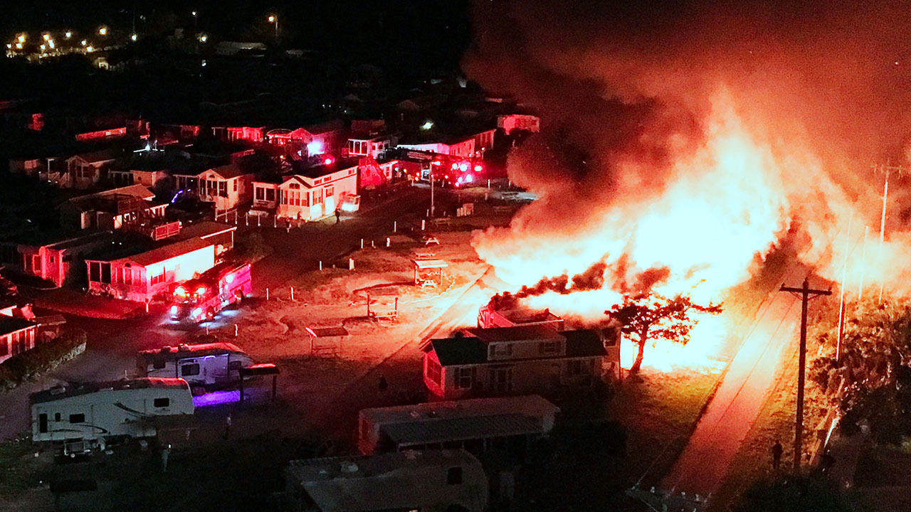 2 die in fire at coastal South Carolina campground