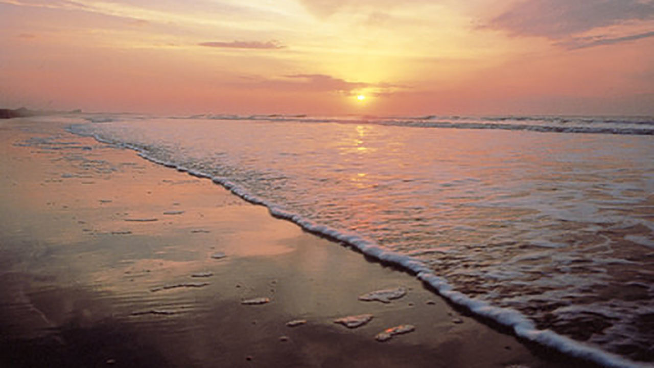 Dr. Beach names Ocracoke 3rd best beach in US