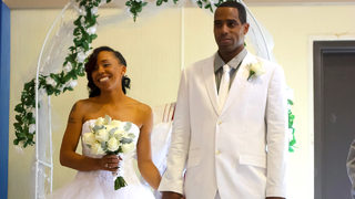 Couple sought after wedding photos found on flash drive at thrift store