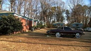 Charlotte 16-year-old shot to death in front yard