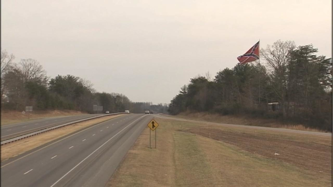 https://mediaweb.wsoctv.com/photo/2018/01/22/Confederate%20Flag%20in%20Burke%20County_1516652063909.jpg_10549899_ver1.0_1280_720.jpg