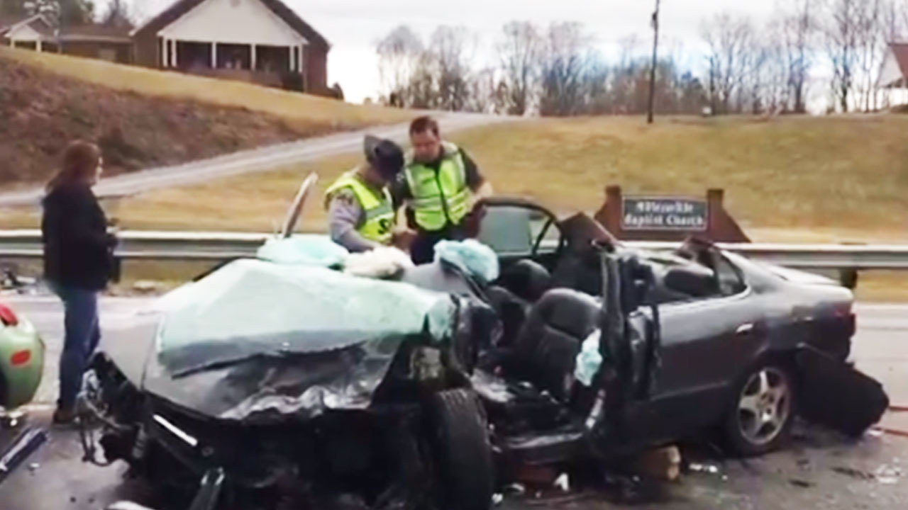 2 women airlifted after multi-car crash in Alexander County, North ...