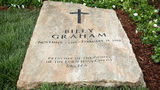 Son of the late Rev. Billy Graham shares photo of his father's grave marker