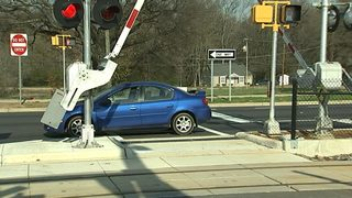 New Blue Line Extension causes confusion at light rail crossings
