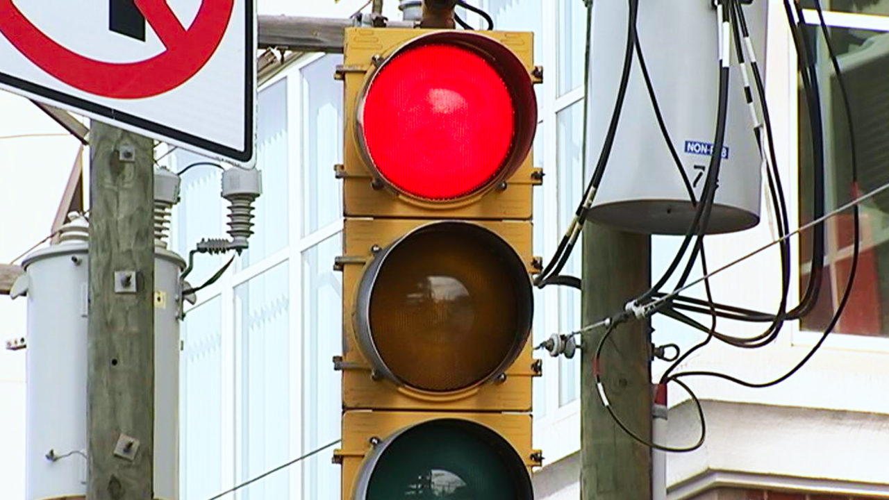 RED LIGHT CAMERAS: City Council Not Ready To Commit To Giving Red Light  Cameras The Green Light | WSOC TV