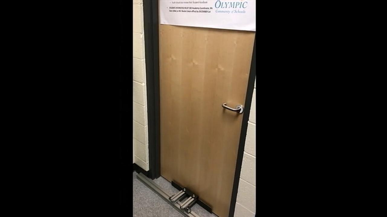 com store xtrons barricade of the lock x floor door doors photo