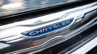 Fiat Chrysler warns 4.8M owners not to use cruise control