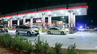 CMPD investigates 2 crime scenes after overnight shootout