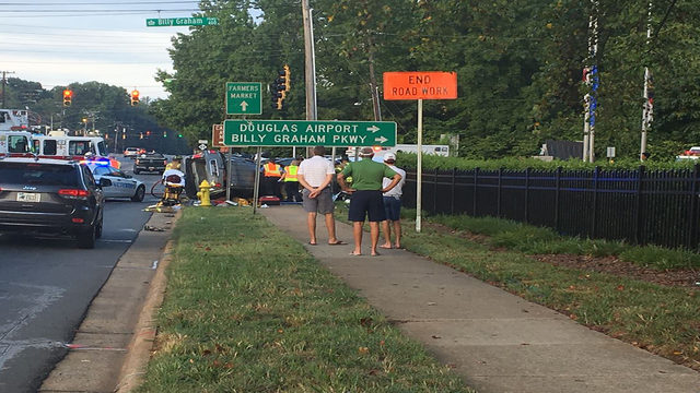 SOUTH CHARLOTTE FATAL CRASH: CMPD: Woman ran red light in