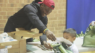 Panthers wide receiver helps provide Thanksgiving turkeys at Boys and Girls Club