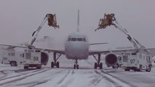 Winter storm causes hundreds of delays, cancellations at Charlotte Douglas