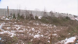 Neighbors complain about noise walls built along I-77