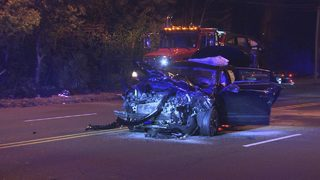 3 people hospitalized after two-car crash in south Charlotte