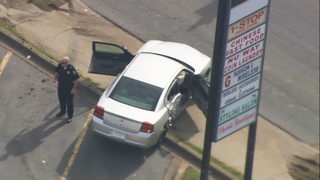 CHARLOTTE POLICE CHASE: Pair in custody after crashing into cars