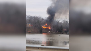 Fire breaks out at waterfront home in Lake Wylie