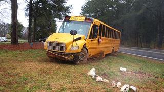 LO ÚLTIMO: Reportan siete lesionados tras accidente de autobús escolar