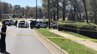 Police looking for gunman after man shot, killed in southwest Charlotte