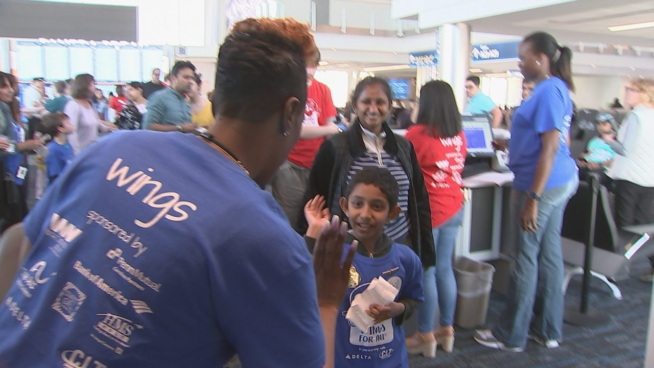 Autism At Center Of New Prime Time Tv >> Charlotte Douglas Delta Help Children With Autism Adjust To Airport