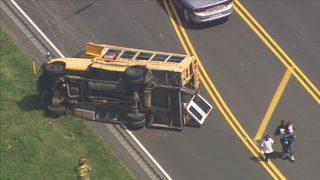 Fallece conductora involucrada en accidente de autobús escolar en condado de Stanly