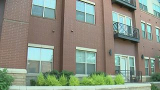 CMPD: Man tries to pry open bedroom window at South End apartment