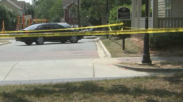 UPTOWN CHARLOTTE SHOOTING: 1 hurt during drive-by shooting