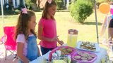 9-year-old girl raises money to buy Thanksgiving meals for those in need